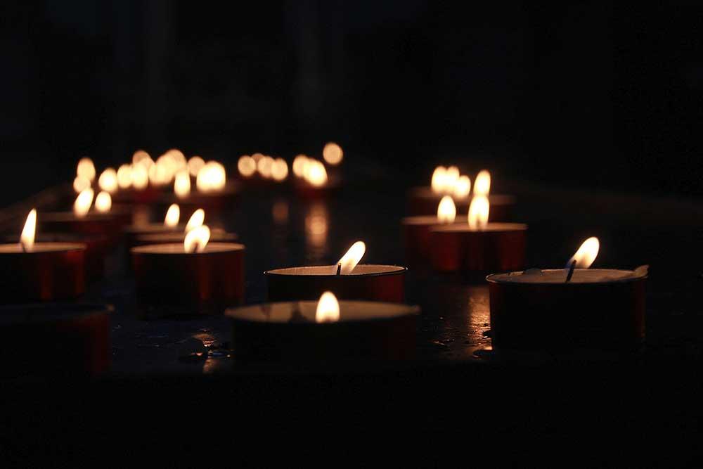 Yahrzeit candles